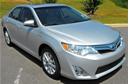 2012 TOYOTA CAMRY HYBRID XLE - SILVER ON GRAY