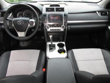 2012 TOYOTA CAMRY SE - WHITE ON BLACK 4