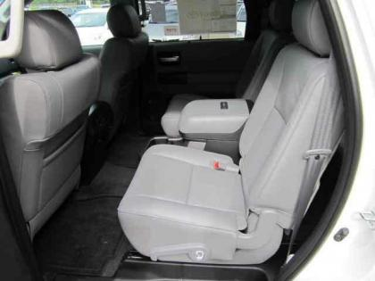2012 TOYOTA SEQUOIA PLATINUM - WHITE ON GREY 6