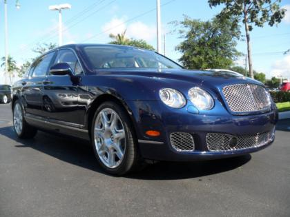 2013 BENTLEY CONTINENTAL FLYING SPUR - BLUE ON WHITE