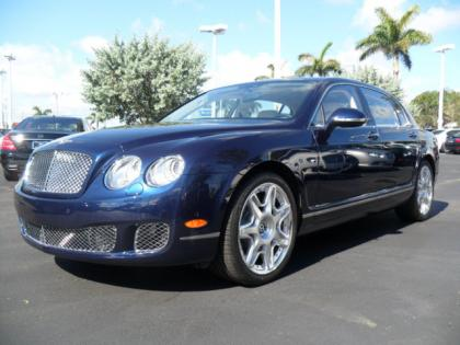 2013 BENTLEY CONTINENTAL FLYING SPUR - BLUE ON WHITE 2