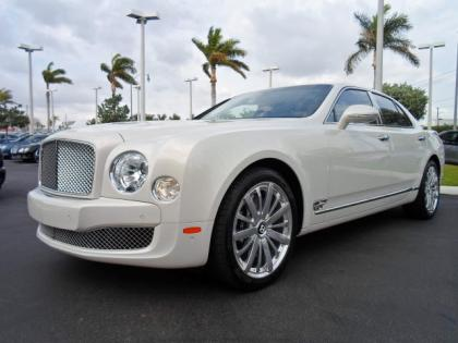2013 BENTLEY MULSANNE BASE - WHITE ON BEIGE