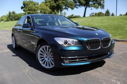 2013 BMW 750 I - BLUE ON BLACK