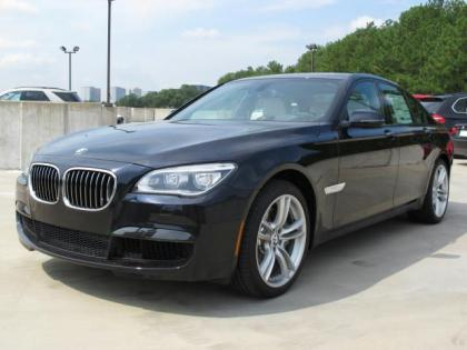 2013 BMW 750 I - BLACK ON WHITE