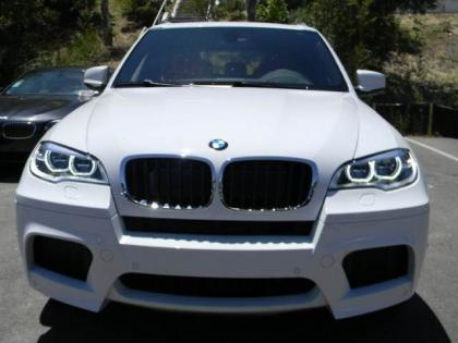 2013 BMW X5 M - WHITE ON RED 2