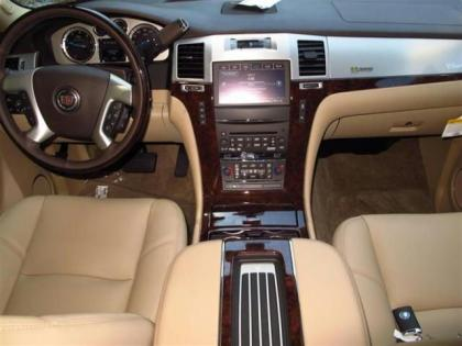 2013 CADILLAC ESCALADE HYBRID BASE - RED ON BEIGE 5