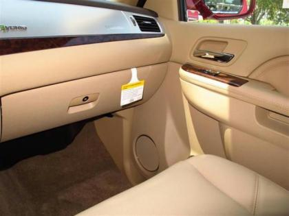 2013 CADILLAC ESCALADE HYBRID BASE - RED ON BEIGE 7