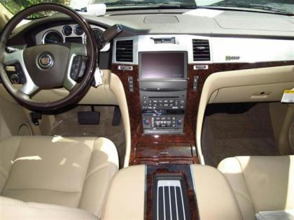 Export New 2013 Cadillac Escalade Hybrid Base Bronze On