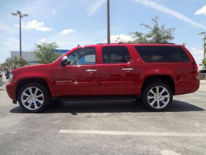 2013 CHEVROLET SUBURBAN LT - RED ON BLACK 2