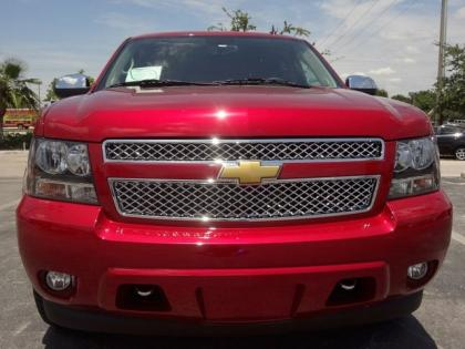 2013 CHEVROLET SUBURBAN LT - RED ON BLACK 3