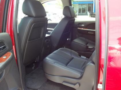 2013 CHEVROLET SUBURBAN LT - RED ON BLACK 6