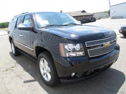 2013 CHEVROLET SUBURBAN 1500 LTZ - BLACK ON BEIGE