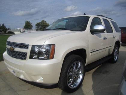 2013 CHEVROLET TAHOE LTZ - WHITE ON BEIGE