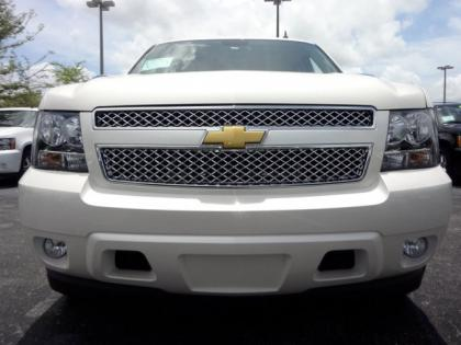 2013 CHEVROLET TAHOE LTZ - WHITE ON BEIGE 2