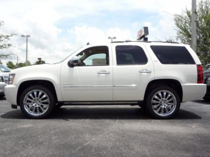 2013 CHEVROLET TAHOE LTZ - WHITE ON BEIGE 3