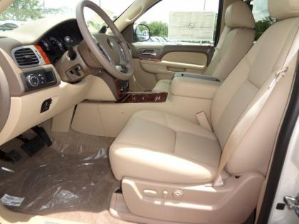 2013 CHEVROLET TAHOE LTZ - WHITE ON BEIGE 4