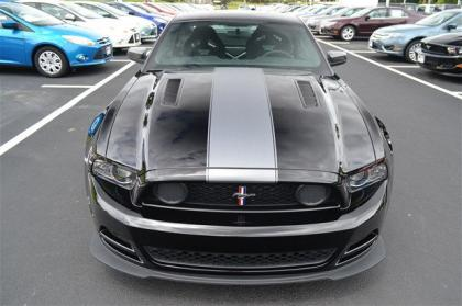 2013 FORD MUSTANG BOSS 302 - BLACK ON BLACK 3