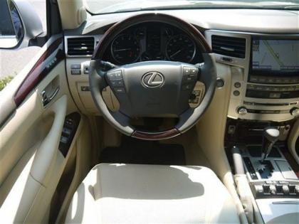 2013 LEXUS LX570 BASE - SILVER ON BEIGE 4