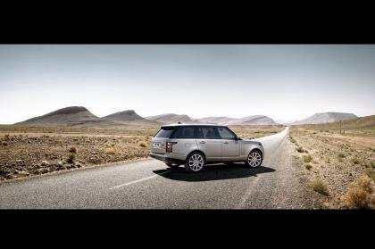 2013 LAND ROVER RANGE ROVER BASE - SILVER ON WHITE 5