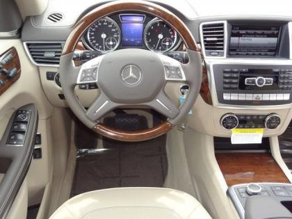 2013 MERCEDES BENZ GL550 4MATIC - BLACK ON BEIGE 5