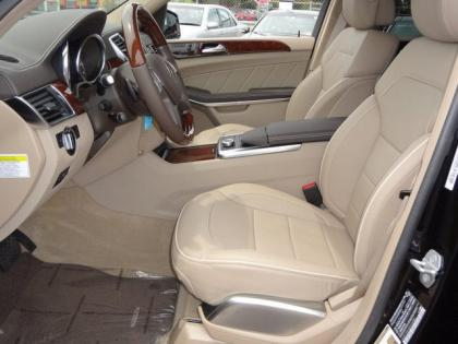 2013 MERCEDES BENZ GL550 4MATIC - BLACK ON BEIGE 6