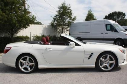 2013 MERCEDES BENZ SL550 BASE - WHITE ON RED 4