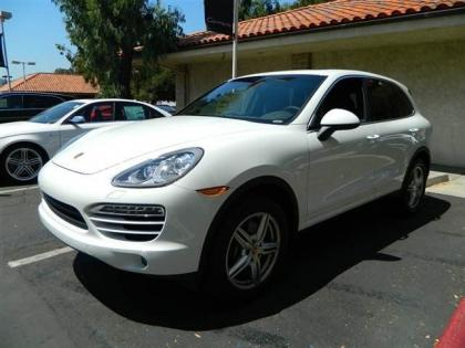 2013 PORSCHE CAYENNE DIESEL - WHITE ON BLACK 1