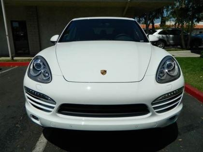 2013 PORSCHE CAYENNE DIESEL - WHITE ON BLACK 2
