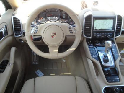 2013 PORSCHE CAYENNE DIESEL - GRAY ON BEIGE 5