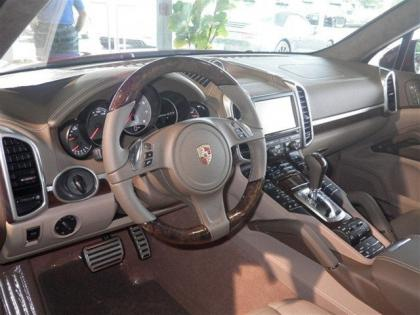 2013 PORSCHE CAYENNE GTS - RED ON BROWN 3