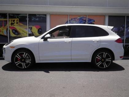 Export New 2014 Porsche Cayenne Turbo S White On Beige