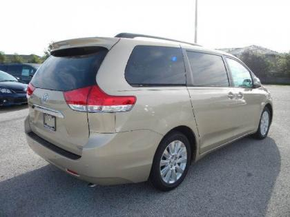 2013 TOYOTA SIENNA LIMITED - BRONZE ON BEIGE 4