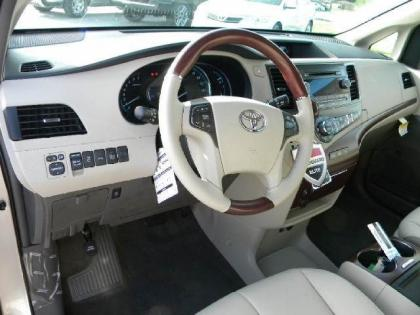 2013 TOYOTA SIENNA LIMITED - BRONZE ON BEIGE 5