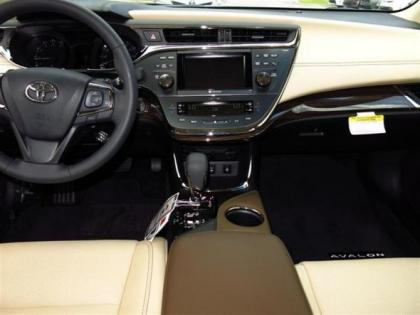 2013 TOYOTA AVALON LIMITED - WHITE ON BEIGE 3
