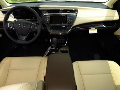 2013 TOYOTA AVALON LIMITED - WHITE ON BEIGE 5