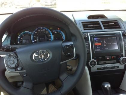 2013 TOYOTA CAMRY HYBRID XLE - SILVER ON GRAY 4