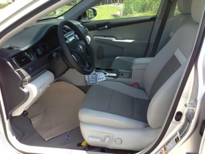 2013 TOYOTA CAMRY HYBRID XLE - SILVER ON GRAY 5