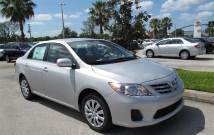 2013 TOYOTA COROLLA LE - SILVER ON GRAY