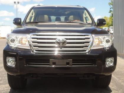 Export New 2013 Toyota Land Cruiser V8 Black On Beige