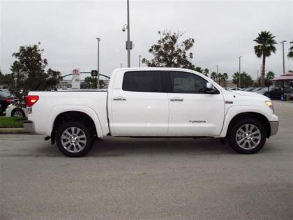 2013 TOYOTA TUNDRA PLATINUM - WHITE ON GRAY 2