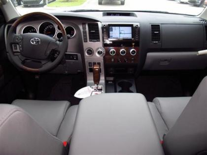 2013 TOYOTA TUNDRA PLATINUM - WHITE ON GRAY 4