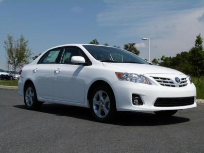 2013 TOYOTA COROLLA LE - WHITE ON GRAY 1