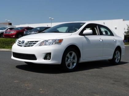 2013 TOYOTA COROLLA LE - WHITE ON GRAY 2