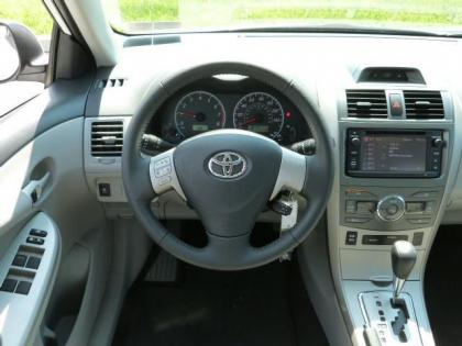 2013 TOYOTA COROLLA LE - WHITE ON GRAY 6