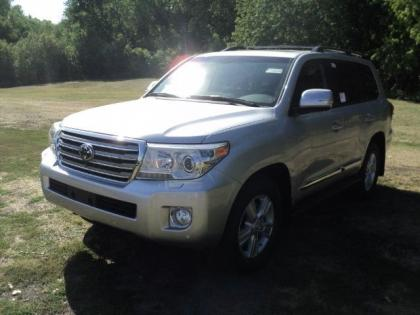 2013 TOYOTA LAND CRUISER V8 - SILVER ON BLACK 3