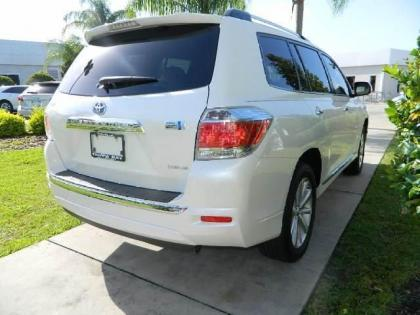 2013 TOYOTA HIGHLANDER HYBRID LIMITED - WHITE ON BEIGE 4