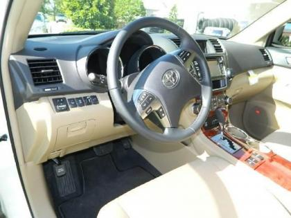 2013 TOYOTA HIGHLANDER HYBRID LIMITED - WHITE ON BEIGE 5