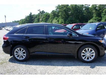2013 TOYOTA VENZA LE - BLACK ON BEIGE 2