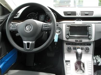 2013 VOLKSWAGEN CC EXECUTIVE - BLUE ON BLACK 4