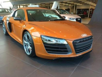 2014 AUDI R8 PLUS - ORANGE ON BLACK